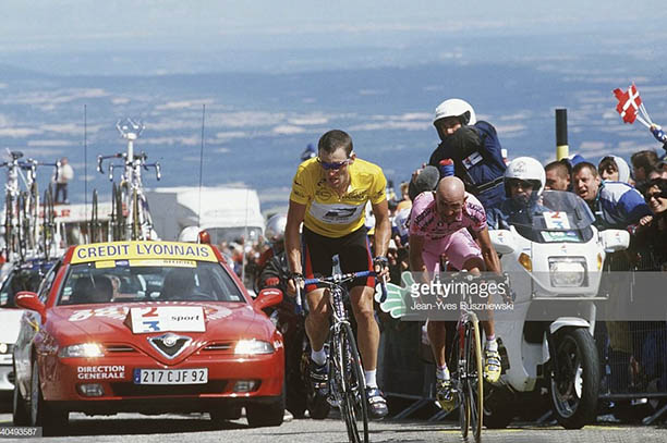 Getty Images Mont Ventoux_0003_americas-lance-armstrong-fights-it-out-with-italys-marco_002